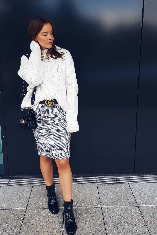 style-appetite-outfit-cozy-knit-glencheck-skirt