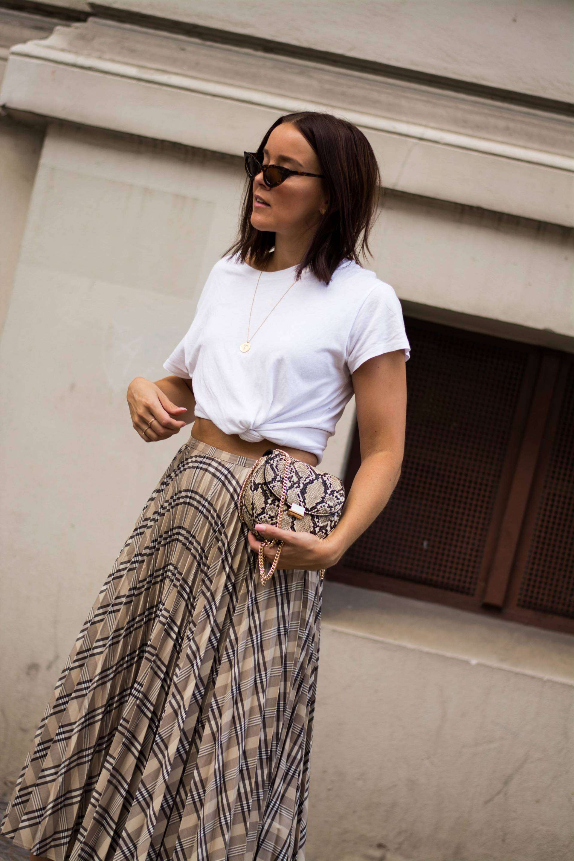 style-appetite-karo-plissee-rock-snake-print-bag