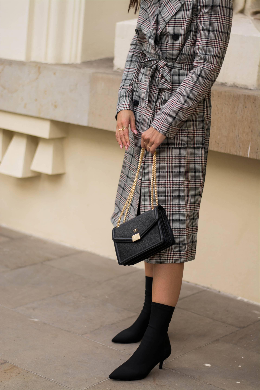 style-appetite-karo-trenchcoat-sock-boots-ivyrevel-sacha