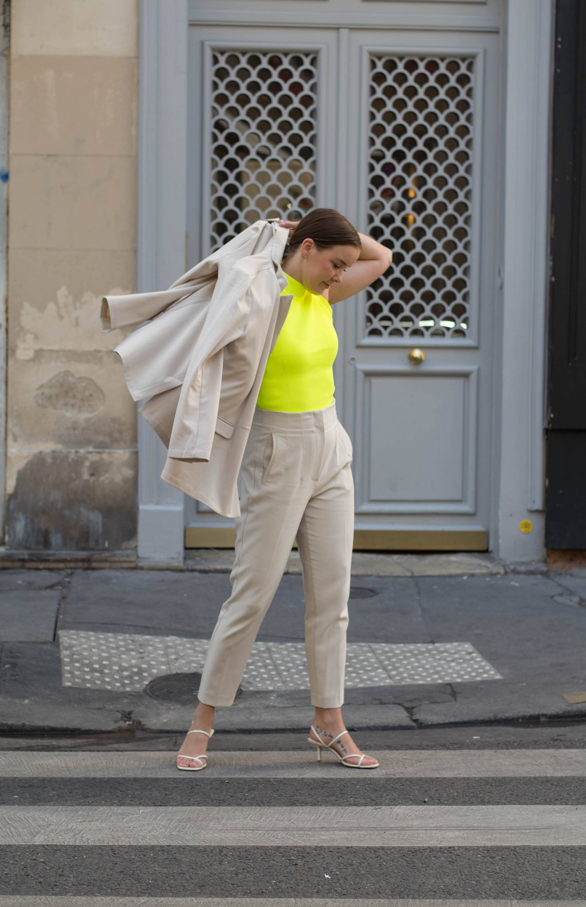 style-appetite-how-to-style-neon-trend-the-classy-neutral-way