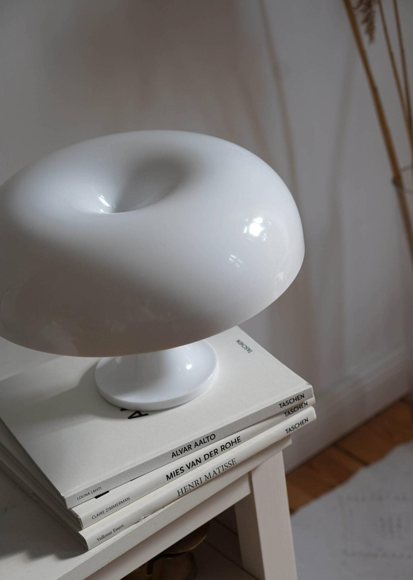 interior-|-sommer--update-fur-wohnzimmer-&-balkon-artemide-nessino